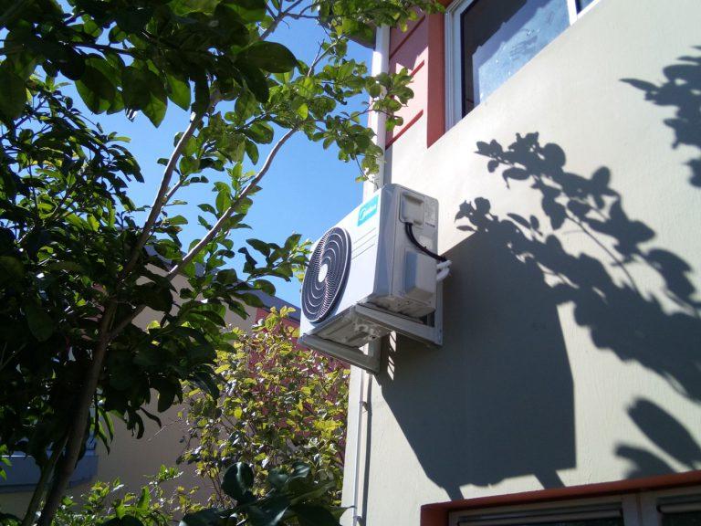 Installation clim monosplit La Réunion